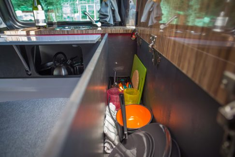 storage for kitchen crockery in camper